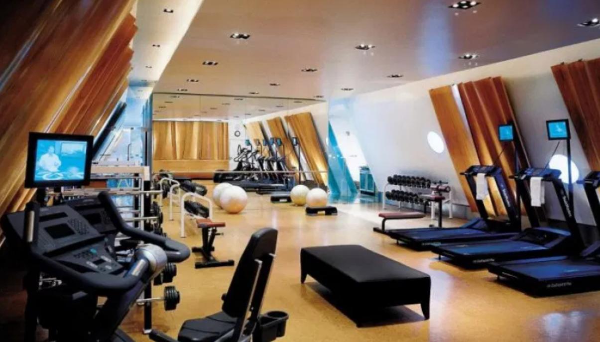 Gym or Swimming Facilities at dubai airport